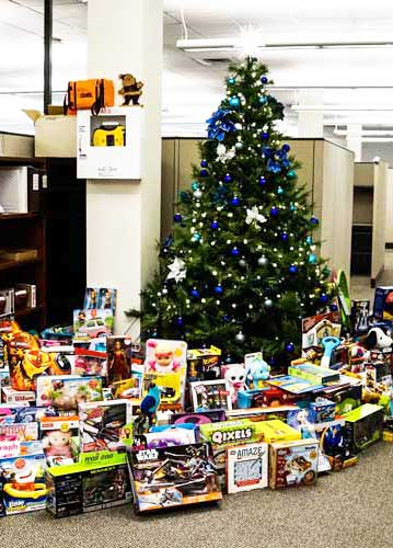 epilog annual christmas toy drive